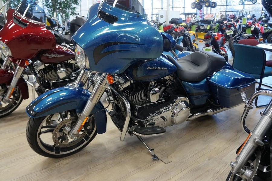 2014 Harley-Davidson FLHX Street Glide at Tousley Motorsports